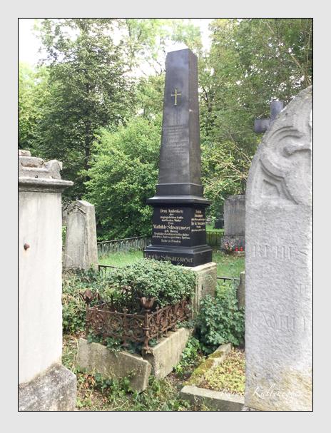 Grab der Familie Schwarzmeyer auf dem Alten Südfriedhof München (August 2007)