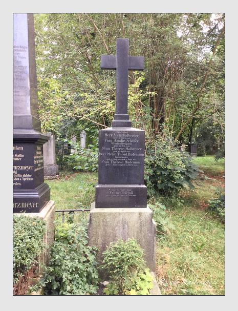 Grab der Familien Halbreiter & Hudemann & Schäffer & Triendl auf dem Alten Südfriedhof München (August 2018)