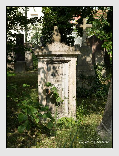 Grab der Familie Böhm auf dem Alten Südfriedhof München (Juni 2014)