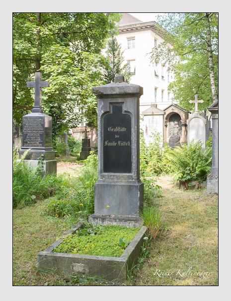 Grab der Familie Lüttich auf dem Alten Südfriedhof München