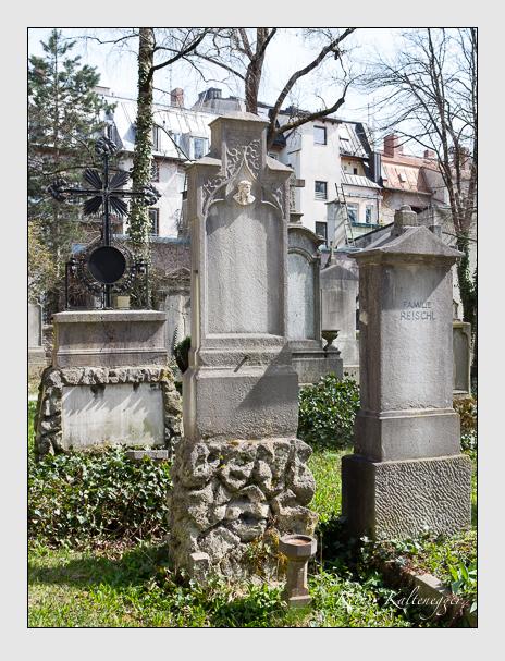 Grab der Familien Vogl & Westermayer auf dem Alten Südfriedhof München (April 2015)