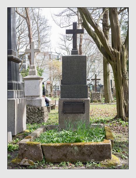 Grab der Familien Grunder & Moosmann & Müller auf dem Alten Südfriedhof München (März 2016)
