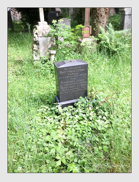 Grab der Familie Leuze auf dem Alten Südfriedhof München (Dezember 2017)