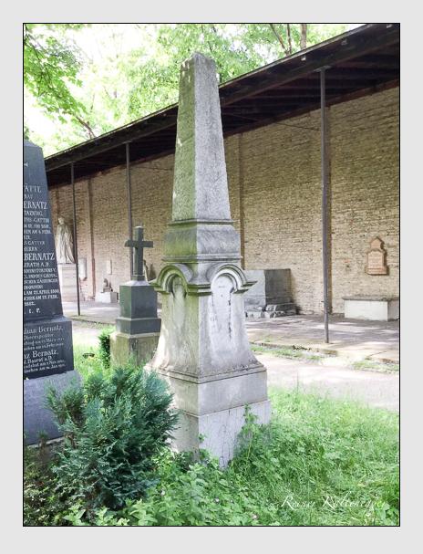 Grab der Familien Hey & Lamprecht auf dem Alten Südfriedhof München (Dezember 2017)