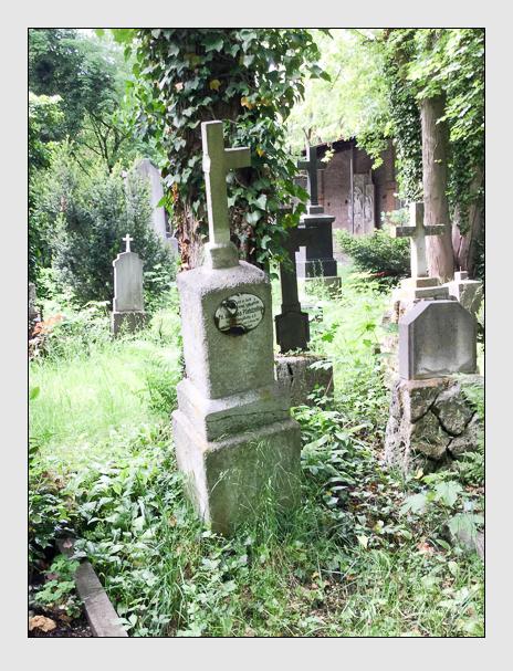 Grab der Familie Pfandzelter auf dem Alten Südfriedhof München (Dezember 2017)