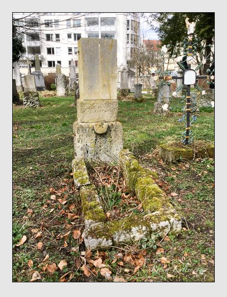 Grab der Familie Stölzl auf dem Alten Südfriedhof München (April 2018)