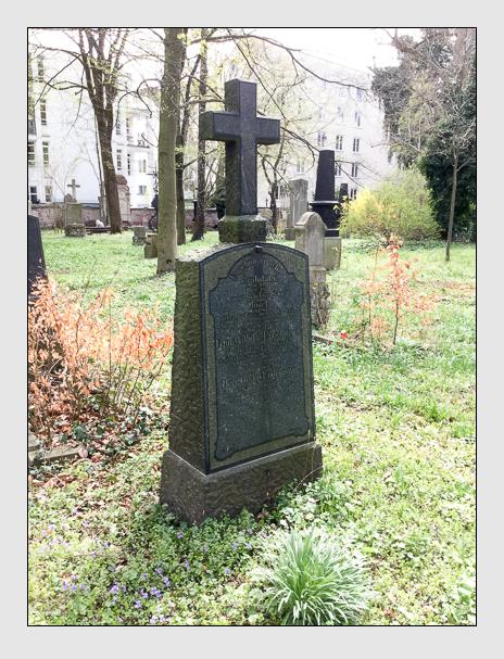 Grab der Familie Engelmayer auf dem Alten Südfriedhof München (April 2018)