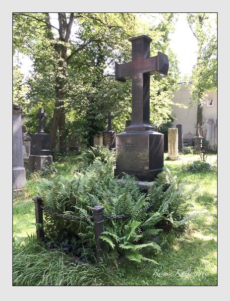 Grab der Familien Herman & Rauscher auf Weeg auf dem Alten Südfriedhof München (Juli 2018)