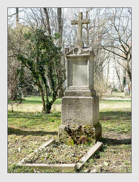 Grab der Familien Kitzeder & Köll auf dem Alten Südfriedhof München (März 2014)
