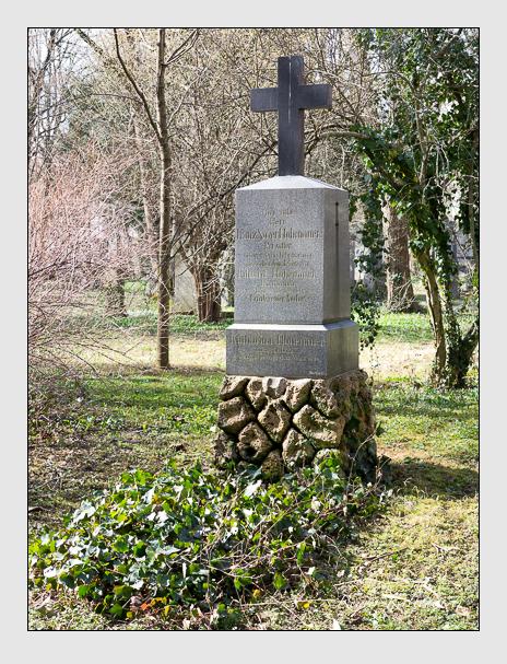 Grab der Familie Hohenauer auf dem Alten Südfriedhof München (März 2014)