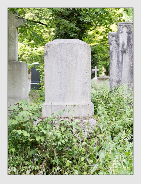 Grab der Familie Quellhorst auf dem Alten Südfriedhof München (Juni 2014)