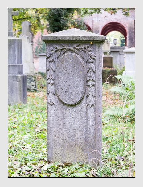 Grab der Familie Rigauer auf dem Alten Südfriedhof München (Oktober 2014)