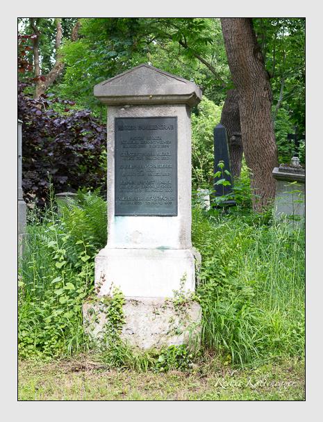 Grab der Familie Hinker auf dem Alten Südfriedhof München (Mai 2015)