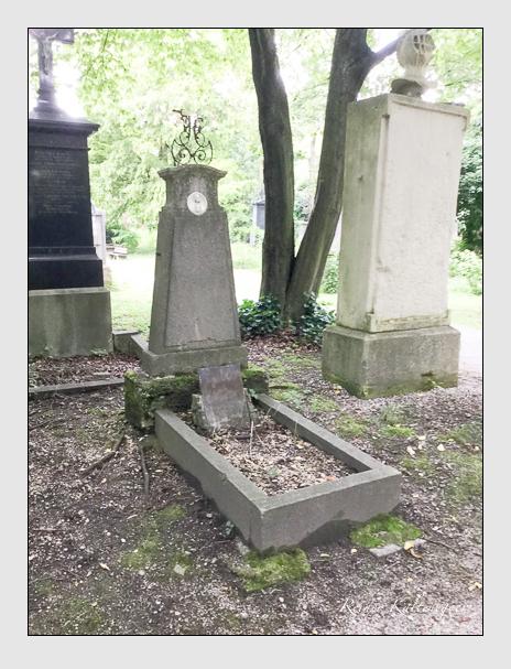 Grab der Familien Deisenrider & Stockhammern auf dem Alten Südfriedhof München (Juli 2016)