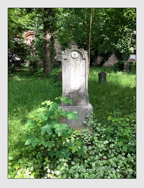 Grab der Familie Eigner auf dem Alten Südfriedhof München (Dezember 2017)