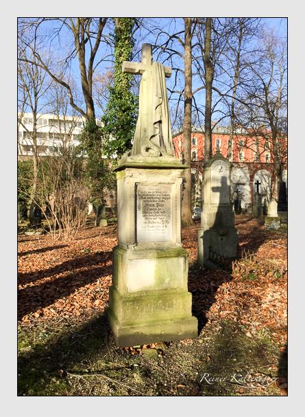 Grab der Familie Püls auf dem Alten Südfriedhof München (Januar 2018)