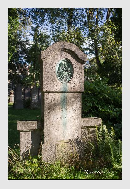 Grab der Familien Olfertshof · Radlinger auf dem Alten Südfriedhof München (Oktober 2012)