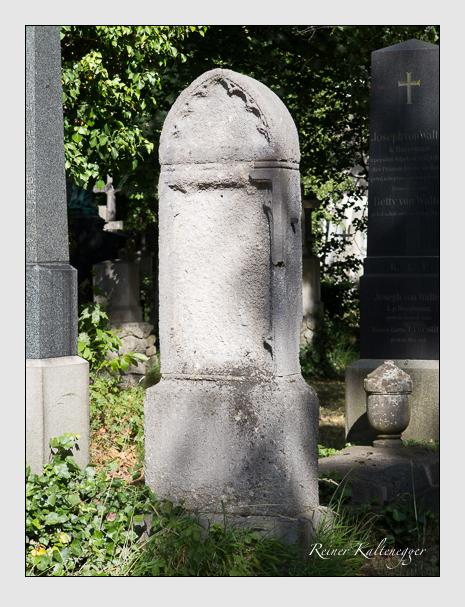 Grab der Familie Ehrensberger auf dem Alten Südfriedhof München (Juni 2014)