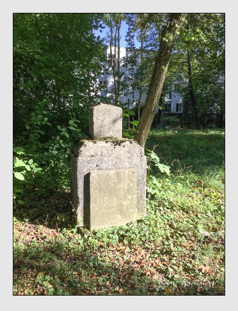Grab der Familien Bechtold & Germersheim auf dem Alten Südfriedhof München (Oktober 2016)