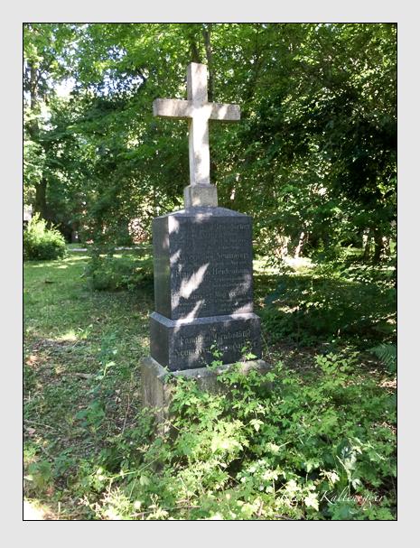 Grab der Familien Baumgartner · Heidenhain · Neumayer auf dem Alten Südfriedhof München (Juli 2019)