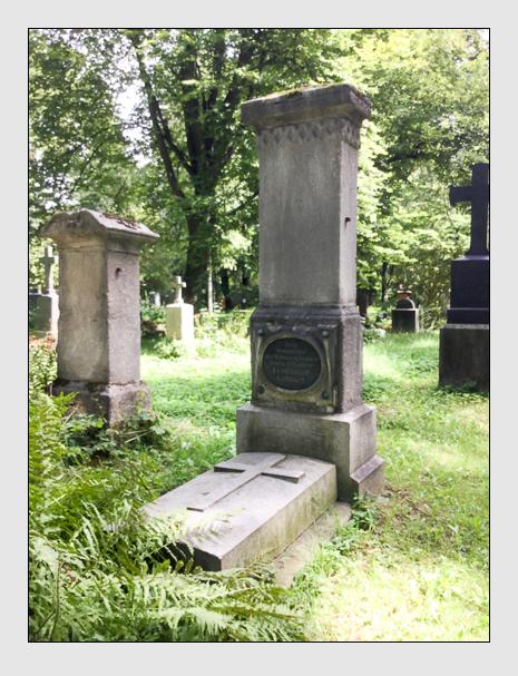 Grab der Familie Gebhart auf dem Alten Südfriedhof München (August 2019)