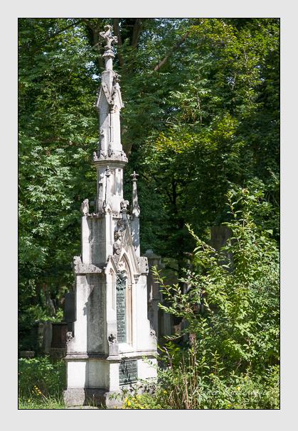 Grab der Familie Ow-Feldorf auf dem Alten Südfriedhof München (Juli 2008)