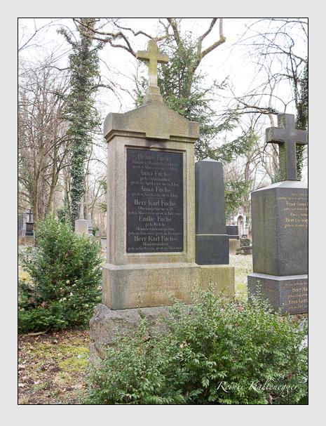 Grab der Familien Fuchs · Schleich auf dem Alten Südfriedhof München (Februar 2014)