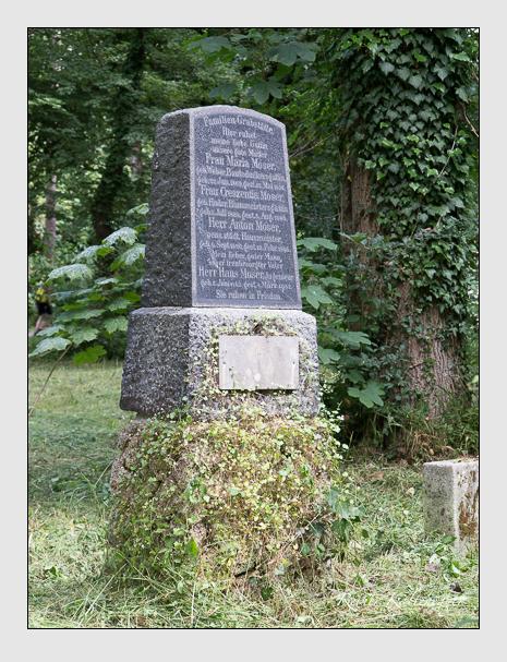 Grab der Familie Moser auf dem Alten Südfriedhof München (Juni 2014)