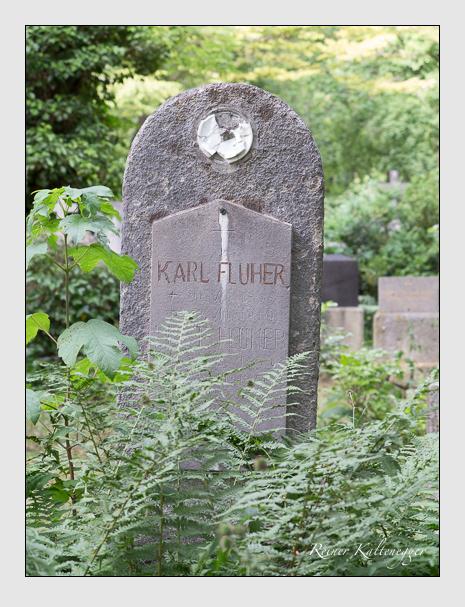 Grab der Familie Fluher auf dem Alten Südfriedhof München (Juni 2014)