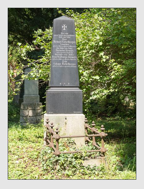 Grab der Familien Eichelberger · Kirmayr auf dem Alten Südfriedhof München (August 2014)