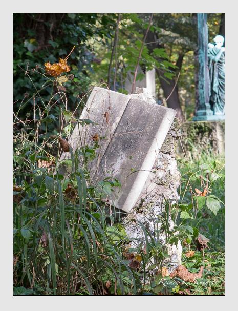 Grab der Familien Bühler · Fichtl · Steidl auf dem Alten Südfriedhof München (Oktober 2014)