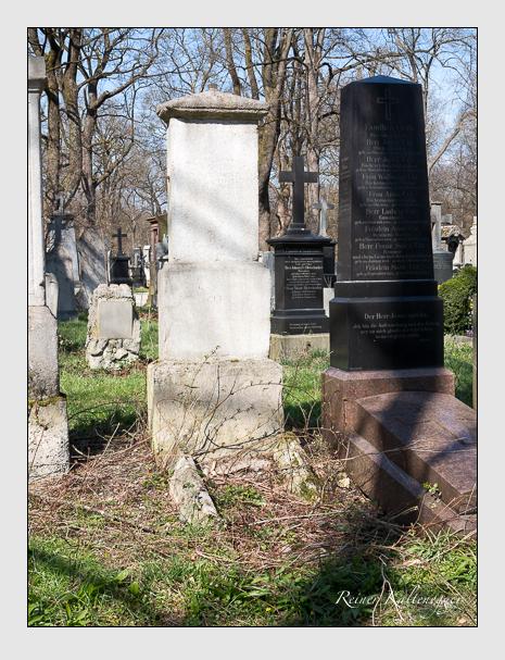 Grab der Familie Lindner auf dem Alten Südfriedhof München (April 2015)