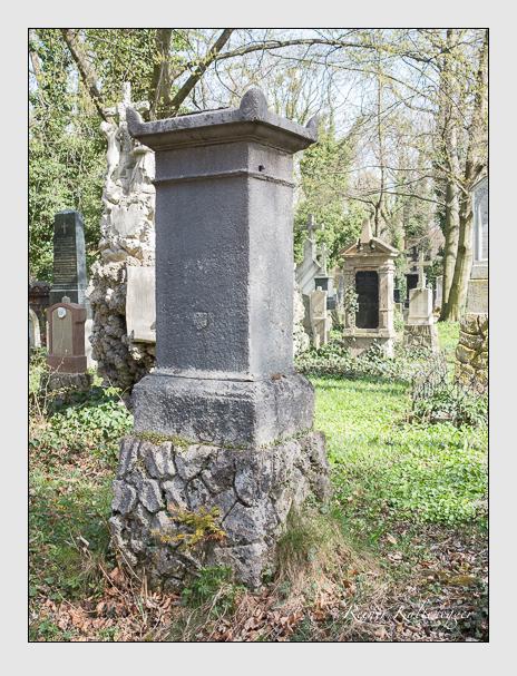 Grab der Familie Ederer auf dem Alten Südfriedhof München (April 2016)