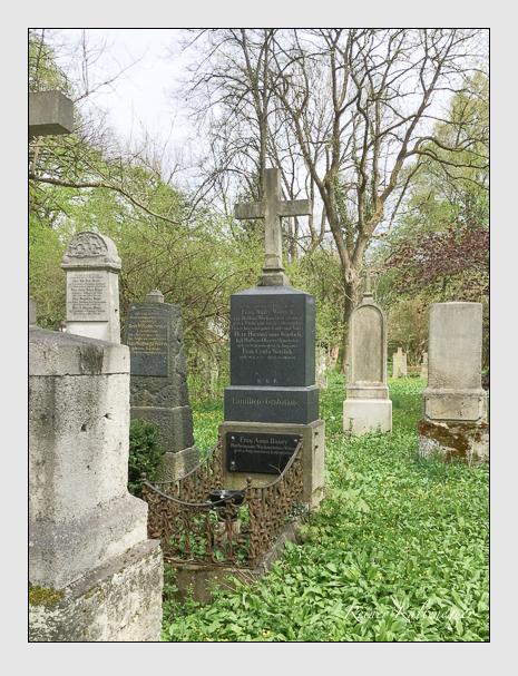 Grab der Familien Bauer · Wördich auf dem Alten Südfriedhof München (Oktober 2016)
