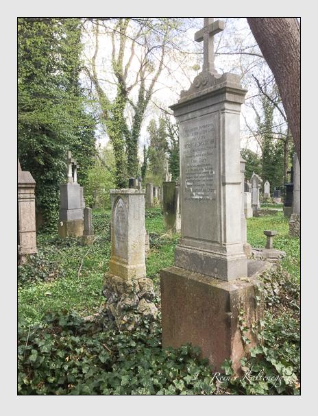 Grab der Familie Dürr auf dem Alten Südfriedhof München (April 2017)