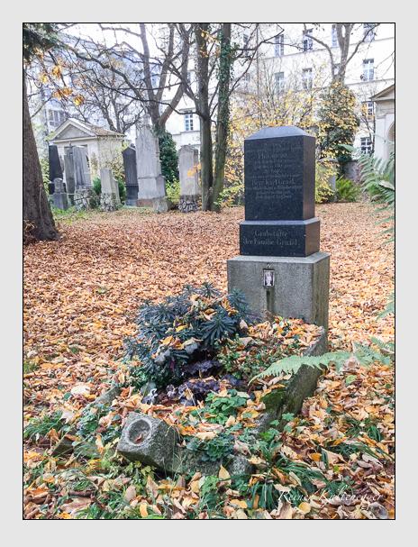 Grab der Familie Grassl auf dem Alten Südfriedhof München (Mai 2017)