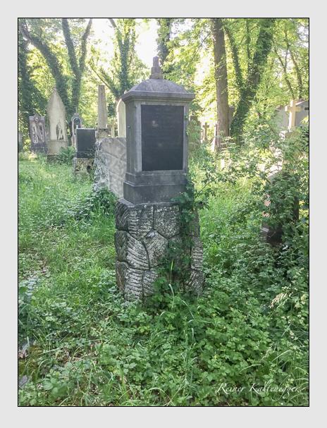 Grab der Familien Köller · Zugschwert auf dem Alten Südfriedhof München (Juni 2017)