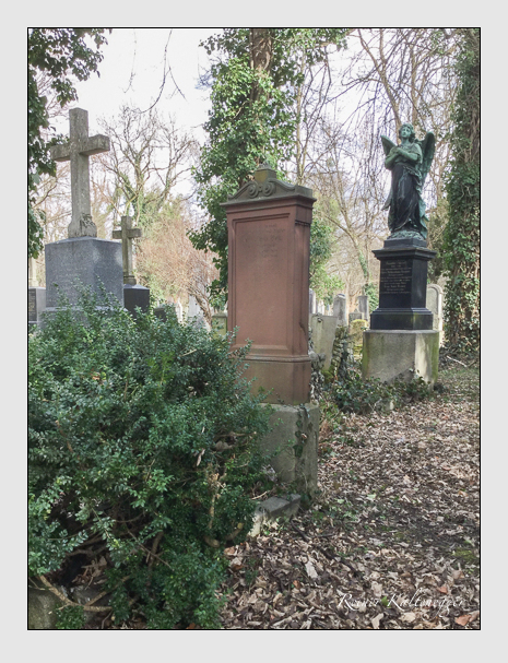 Grab der Familie Bek auf dem Alten Südfriedhof München (März 2018)