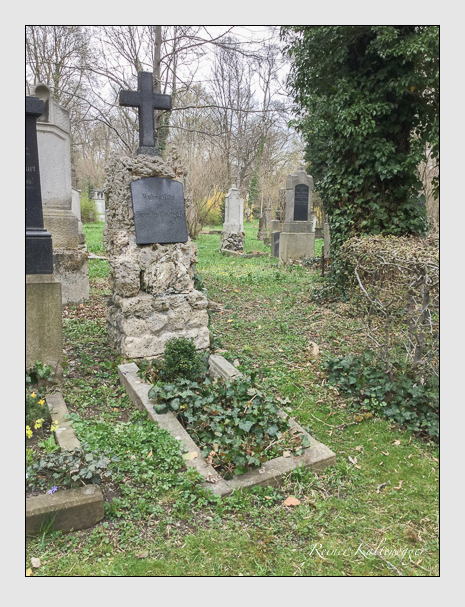 Grab der Familie Schnabl auf dem Alten Südfriedhof München (April 2018)