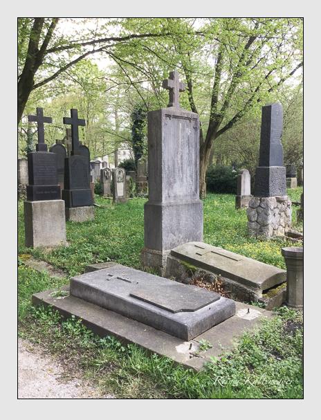 Grab der Familie Gabe de Massarellos auf dem Alten Südfriedhof München (April 2018)