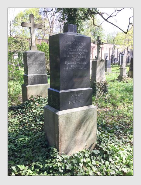 Grab der Familien Himmelein · Koch auf dem Alten Südfriedhof München (April 2018)