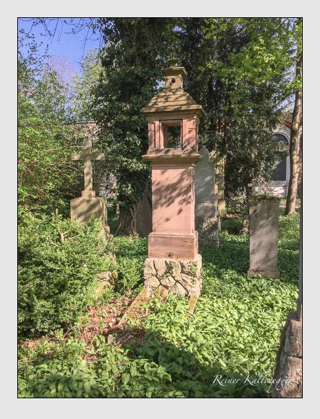 Grab der Familien Drexler · Jäger auf dem Alten Südfriedhof München (April 2018)