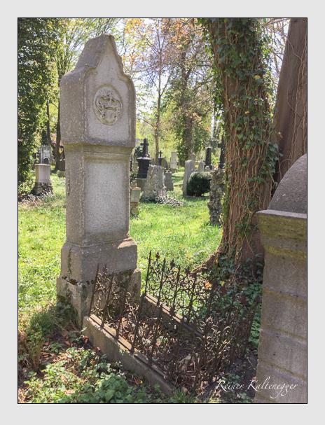 Grab der Familie Pestalozza auf dem Alten Südfriedhof München (April 2018)