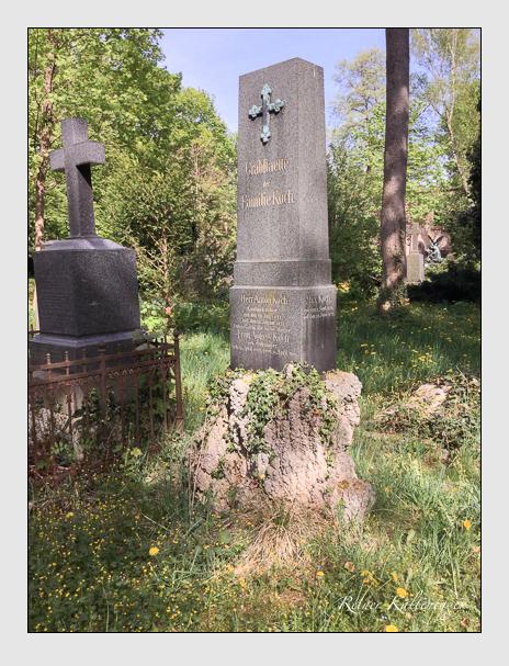Grab der Familie Koch auf dem Alten Südfriedhof München (April 2018)
