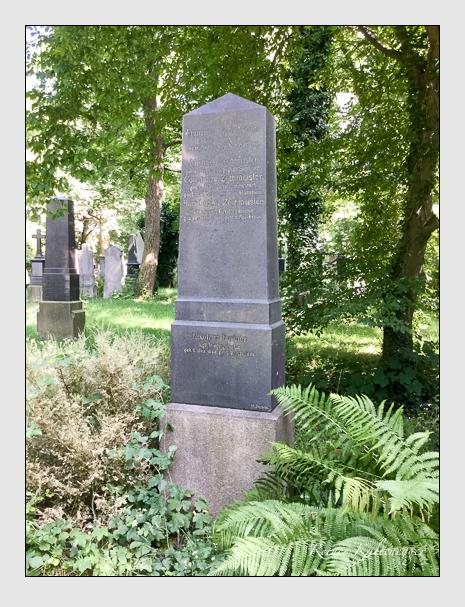 Grab der Familien Fortner · Zechmeister auf dem Alten Südfriedhof München (August 2019)
