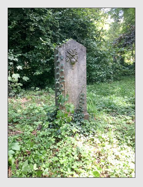 Grab der Familie Hubel auf dem Alten Südfriedhof München (August 2019)