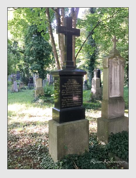 Grab der Familien Hörbrand · Schärfl auf dem Alten Südfriedhof München (September 2019)