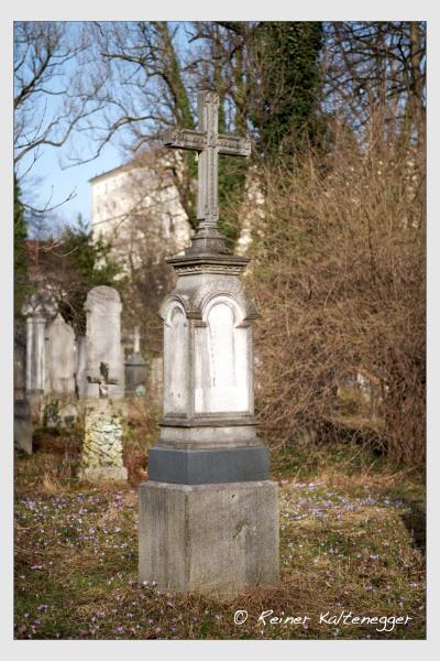 Grab der Familien Hansjakob · Mescher · Schweighart auf dem Alten Südfriedhof München (Februar 2021)