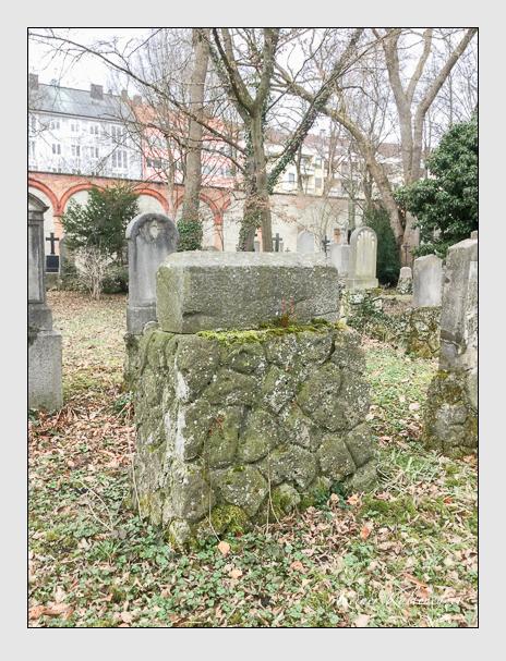 Grab der Familie Zimmermann auf dem Alten Südfriedhof München (März 2018)