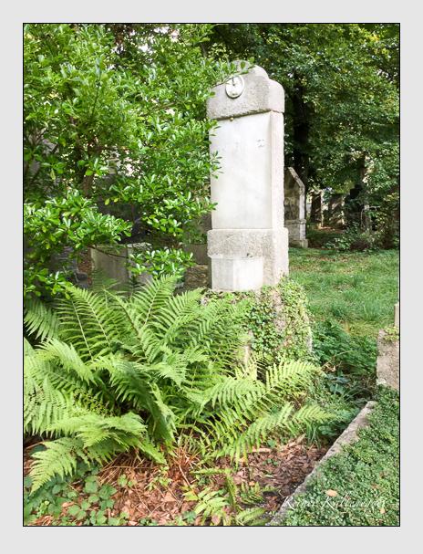 Grab der Familie Greiss auf dem Alten Südfriedhof München (Oktober 2016)